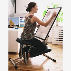 Edge Desk, LLC is raising funds for The Edge: All-in-one desk solution for modern life and work on Kickstarter! Be more productive and maximize space with this comfortable, ergonomic desk/chair/easel combo that folds flat and sets up in seconds. Art Studio Room, Art Studio Design, Art Studio At Home, Home Art, Drawing Desk, Art Desk, Retro Chic, Art Studios, Home Decor