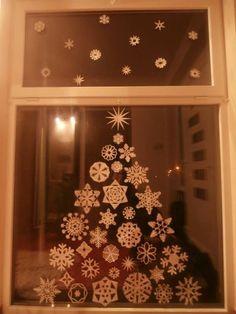 Okno Christmas Crafts, Christmas Decorations, Christmas Tree, Holiday Decor, Diy And Crafts, Paper Crafts, Home Decor, Teal Christmas Tree, Decoration Home