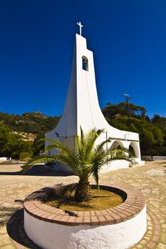 Potami Chapel, Samos, Greece Cathedral Basilica, Cathedral Church, Cool Places To Visit, Places To Go, Samos Greece, Zorba The Greek, Greece Pictures, Modern Church, Religious Architecture