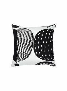 Vatruska-tyynynpäällinen (valkoinen, musta) |Sisustustuotteet, Olohuone, Sisustustyynyt ja tyynynpäälliset | Marimekko