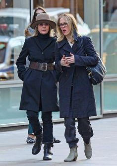 Diane Keaton - Diane Keaton and Frind Out in SoHo
