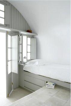 A niche bed via Designed for Life.