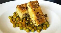 Tofu panato con piselli - Vegblogger - Vegolosi.it Seitan, Tempeh, New Recipes, Vegan Recipes, Antipasto, Chicken, Meat, Vegetables, Cooking