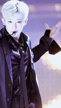 Wonho the Vampire Slayer... More like the Fangirl slayer.