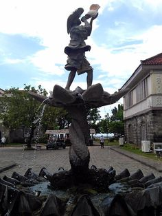 LAS CASAS FILIPINAS DE ACUZAR: A NEW HOME FOR THE OLD HOUSES – lakwatserongdoctor Cheap Web Hosting, Ecommerce Hosting, Old Houses, Statue Of Liberty, Old Things, New Homes, Travel, Statue Of Liberty Facts, Viajes