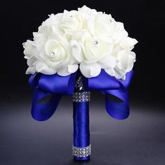 Blue bouquet for the bride. Simple and one of my favorites. #bluewedding #somethingblue #weddingbouquet #bridalbouquet #bouquet