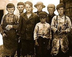 Child labor in the United States was common in the early century, and most of the children worked backbreaking jobs in filthy, dangerous conditions,. These photographs taken by investigator and photographer Lewis Hine tell the story. Victorian London, Victorian Era, Victorian Street, Victorian Decor, Edwardian Era, Baker Street, Belle Epoque, Old Pictures, Old Photos