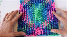 Crochet Tutorial Design Planned Pooling with Variegated Yarn Planned Pooling you say? Surely it isn't a group of moms bringing - Planned Pooling with Variegated Yarn Planned Pooling you say? Surely it isn't a group of moms bringing Crochet Scarves, Crochet Yarn, Crochet Stitches, Free Crochet, Crochet Crafts, Crochet Projects, Pooling Crochet, Knitting Patterns, Crochet Patterns