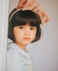 I know it's Scout, but she looks like she could be Asian descent – girl photoshoot poses Cute Small Girl, Beautiful Little Girls, Beautiful Children, Beautiful Babies, Small Baby, Little Baby Girl, Cute Baby Girl, Cute Babies, Baby Girls