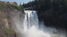 ランチミーティングの後に近くにあるスノコルミー滝につれて来てもらった。日本の滝よりずいぶんでかい。