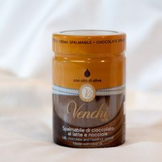 Directly from the highest Tradition of the piemontese Chocolatier arrives the Hazelnut Chocolate Spread of the Venchi, a company renowned in all the world for the craftsmanship and the exceptional quality of its products.  Venchi spread is the ideal product those who look for foods that are not only delicious to taste, but also natural and healthy.  Visit us at healthygoodies.ch to purchase!