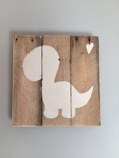 """Frame """"Dinosaur"""" made of wooden pallet de la boutique Lilyandfriends sur Etsy"""