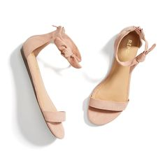 Everyday Fashion, Style and Trends Inspiration for Summer style. All Stitch Fix . - Everyday Fashion, Style and Trends Inspiration for Summer style. All Stitch Fix products! Coral Sandals, Shoes Flats Sandals, Sandals Outfit, Heels, Nude Flats, Flat Sandals, Flat Prom Shoes, Bridesmaid Shoes Flat, Dressy Sandals