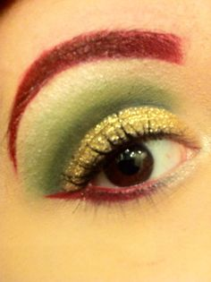Christmas makeup...it looks a lil like poisson ivy inspired.
