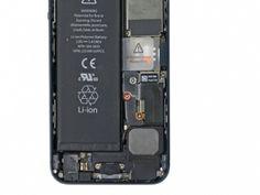 STAP 1. Verwijder de volgende twee schroeven waarmee de metalen beugel van de batterij connector op het logicboard vast zit: een 1.8 mm Phillips schroef, een 1.6 mm Phillips schroef.