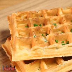 Salted waffles with zucchini - You will not resist these salty zucchini waffles, a healthy recipe from ELLE à table -