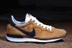 separation shoes ae2e4 3c092 Nike Internationalist Leather Sneaker Bar, Nike Internationalist, Latest  Sneakers, Black White, Bronze