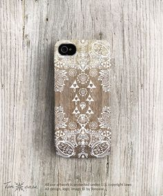 Hoi! Ik heb een geweldige listing gevonden op Etsy https://www.etsy.com/listing/154783504/tribal-iphone-case-lace-iphone-4-case
