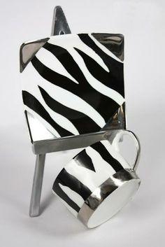 Idee regalo per lei: tazzina fashion con decoro animalier.