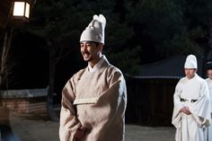 Splendid Politics (Hangul: 화정; hanja: 華政; RR: Hwajeong) is a 2015 South Korean television series starring Cha Seung-won, Lee Yeon-hee, Kim Jae-won. It aired on MBC. Prince Gwanghae, son of a concubine, usurps the Joseon throne from his father King Seonjo's direct bloodline. Gwanghae executes the favored legitimate son, and exiles his half-sister Princess Jeongmyeong. Banished from the palace, Jeongmyeong lives as a commoner disguised as a man while plotting her revenge. 광해 차승원