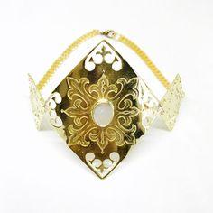 Tifelt choker necklace | Desperate Design Lapis Lazuli, Chokers, Bronze, Jewels, Bracelets, Design, Bijoux, Gemstones, Jewerly