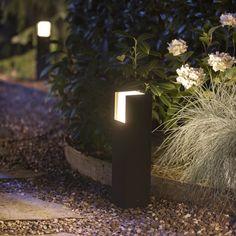 Philips Hue White Fuzo - Sockelleuchte schwarz | PHILIPS Hue | 1744730P7 - click-licht.de #light #licht #leuchte #interieurdesign #interieur #lampe #dekoration #dekoideen #philips #philipshue #smarthome #smartlighting #led #interior #wohnzimmer #esszimmer #schlafzimmer #kueche #flur   #innenleuchten #beleuchtung #leuchte #light