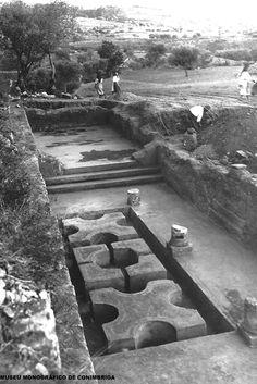 Peristilo truncado da casa de Cantaber, no final das escavações, 1934
