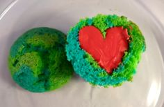 Heartfelt Earth Day Cupcakes / To celebrate, make these Earth Day cupcakes that are filled with just as much heart as sugar.