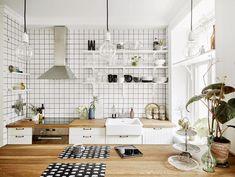 Os muestro un apartamento de sólo 47 m 2 . Un precioso piso lleno de detalles que le da un aire fresco y ...