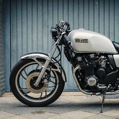 Have a look at a couple of my most desired builds - tailor made scrambler designs like this Yamaha Cafe Racer, Yamaha Motorcycles, Cafe Racer Motorcycle, Vintage Motorcycles, Vintage Cafe Racer, Cafe Racer Parts, Xjr, Dirtbikes, Classic Bikes