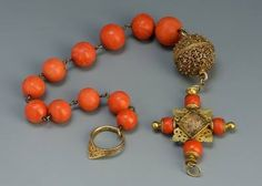 Rosary of Stephan Batory, stored in Iparmuveszeti museum 1570s. Coral. gold