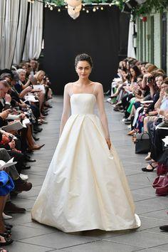 c77cb006374 2018 Wedding Dress Trends