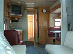 2006 Used Show Hauler Custom Class A in Virginia VA.Recreational Vehicle, rv, 2006 Show Hauler Custom , Custom one of a kind Motorhme!!!! Freightliner Columbia Show Hauler conversion. 2 Slides, Queen Select Comfort mattress. Stand alone ice maker and trash compactor. residential refrigerator, convection microwave, 3 burner gas stove, dinette with wrap around seating, 3 tvs inside with surround sound. Outside entertainment, 3 Ducted A/C's. Larger holding tanks and 100 gallon fresh water…