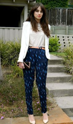 TRANSITIONAL TROUSERS: take those printed trousers you have been wearing all summer and add some pumps and a blazer!