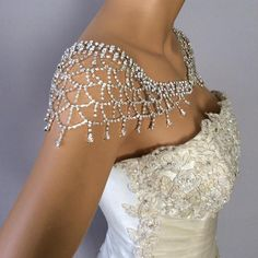 Wedding Dresses, really terrific fashion 1193040459 - Wonderfully exquisite dress styling styles and suggestions. wish more dazzling suggestions, stop by the pin link today. Shoulder Jewelry, Shoulder Necklace, Wedding Dress Cake, Wedding Gowns, Wedding Ring, Vestido Strapless, Bridal Dresses, Flower Girl Dresses, Wedding Dress Accessories