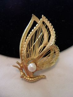 BROOKS Vintage 1960s Gold Plate Figural by AnnesGlitterBug on Etsy