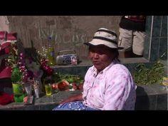 ▶ Día de los Muertos y comida. Cementerio de Villa María del Triunfo, Perú - YouTube