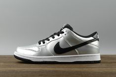 53e1000bb610 Chaussures de sport Nike SB Dunk Low Pro Cold Pizza Mens Skate Sneakers  313170-024 Metallic Silver White blanc Black Noir Youth Big Boys Shoes