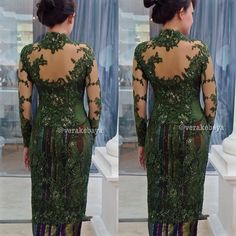 Fitting…#kebaya #partydress #backdetails #tenun #lace #beads #verakebaya … (di Rumah Kebaya Vera Anggraini)
