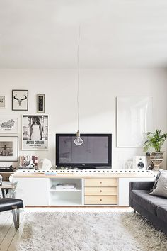 Home Decoracion, Office Desk, Furniture, Timber Furniture, House Decorations, Hiding Wires, Nordic Style, Cozy, White Colors