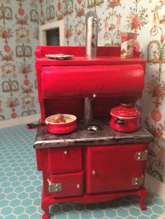 1:12 1/12 Red Kitchen Stove  Antique Finish by LindellasTreasures