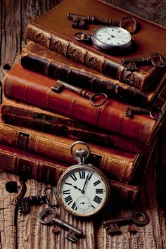 book aesthetic Old Books And Watches - Artist: Garry Gay Old Books, Antique Books, Vintage Books, Vintage Keys, Pics Of Books, Art Antique, Antique Keys, Still Life Photography, Book Photography