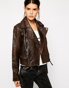 Obsessed with this leather jacket.