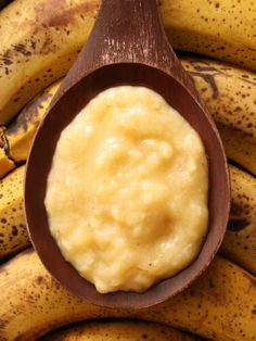 Banana Face Mask For Dry Skin  1 egg yolk  2 teaspoons of sweet almond oil  1 ripe banana  Combine all ingredients together in a bowl and mash into a creamy paste.  Apply mixture evenly to your face and leave on for approximately 20 minutes.  Rinse off using cool water and pat dry.