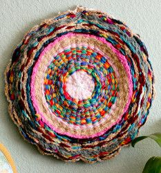 Hula Hoop Rug - great for a bathroom or beside the bed.