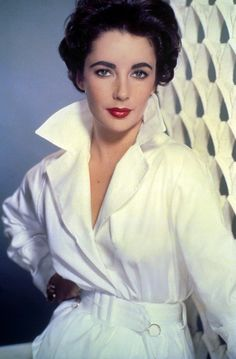 Elizabeth Taylor Looked Amazing Even Without Diamonds