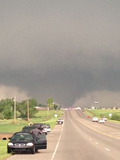Tornadoes tear through Okla. tornado in Moore, OK. Weather Storm, Weather Cloud, Wild Weather, Tornados, Thunderstorms, Tornado Pictures, Storm Pictures, Tornado Pics, Severe Weather