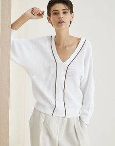 V-neck Sweater White Woman 1 - Brunello Cucinelli Cotton Sweater, Men Sweater, Pull Crochet, Look Man, Knit Fashion, Brunello Cucinelli, Comfortable Fashion, Cool Suits, Knitwear