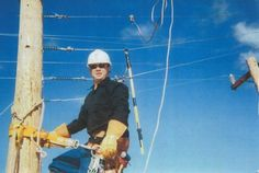 NV Energy journeyman lineman Herbie Goforth III died last week when he fell nearly 100 feet from a tower. He was supposed to turn 30 the next day, be married Oct. 6 and go to the Bahamas for his honeymoon. Lineman Wife, Power Lineman, Journeyman Lineman, Keep The Lights On, Historical Photos, Sunny Days, Death, Tower, Memories
