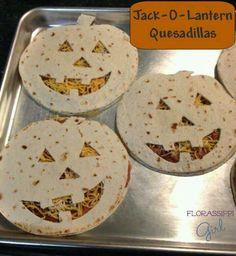 Cool Halloween Foods, Holidays Halloween, Halloween Pizza, Halloween Food Recipes, Cute Halloween Food, Mexican Halloween, Easy Halloween Food, Halloween Recipe, Spooky Halloween